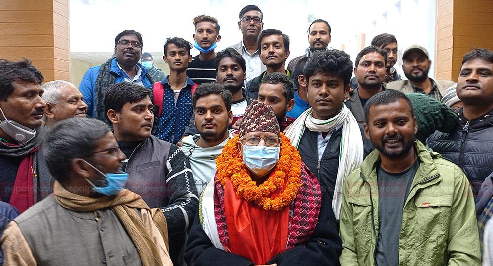 माधव नेपाल र राजेन्द्र महतो पुगे जनकपुर
