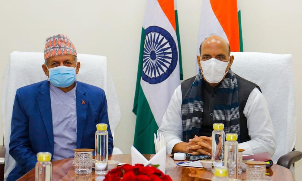भारतीय रक्षामन्त्री सिंह र नेपाली परराष्ट्रमन्त्री ज्ञवालीबीच दिल्लीमा भेटवार्ता