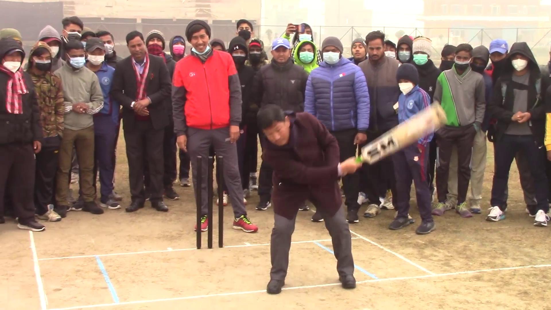 बुवाको स्मृतिमा शक्ति गौचनले शुरु गरे क्रिकेट प्रतियोगिता