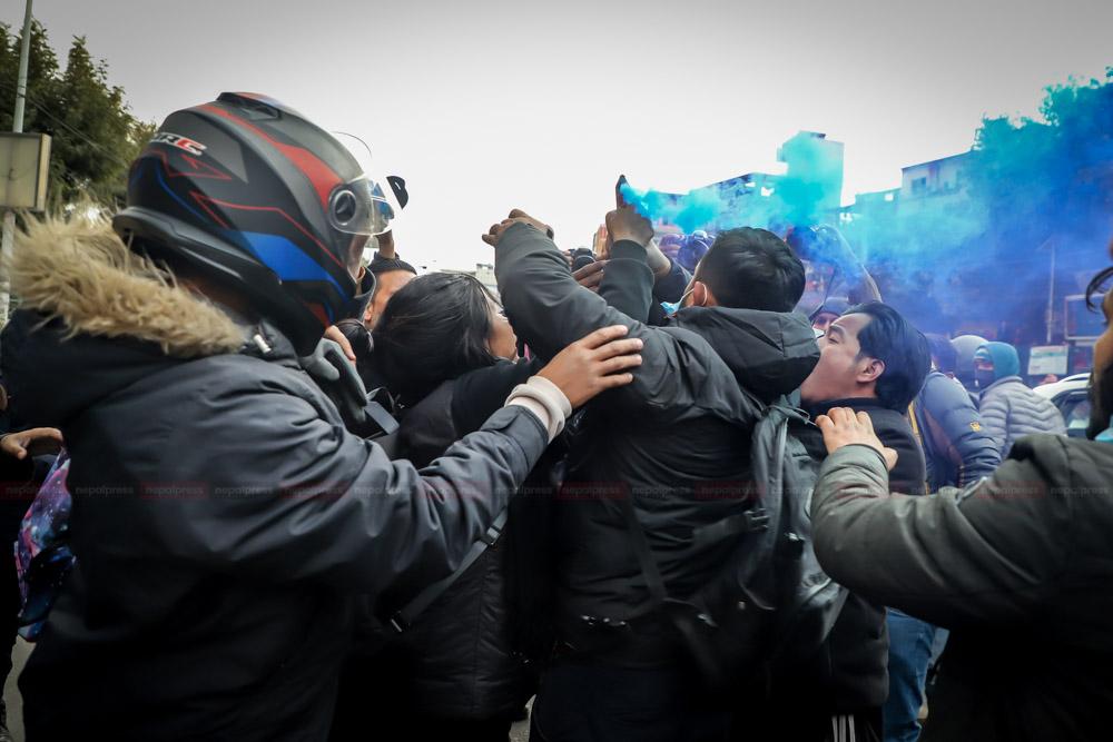 प्रचण्ड–नेपाल समर्थित विद्यार्थीको प्रदर्शनमा लाठीचार्ज (फोटो फिचर)