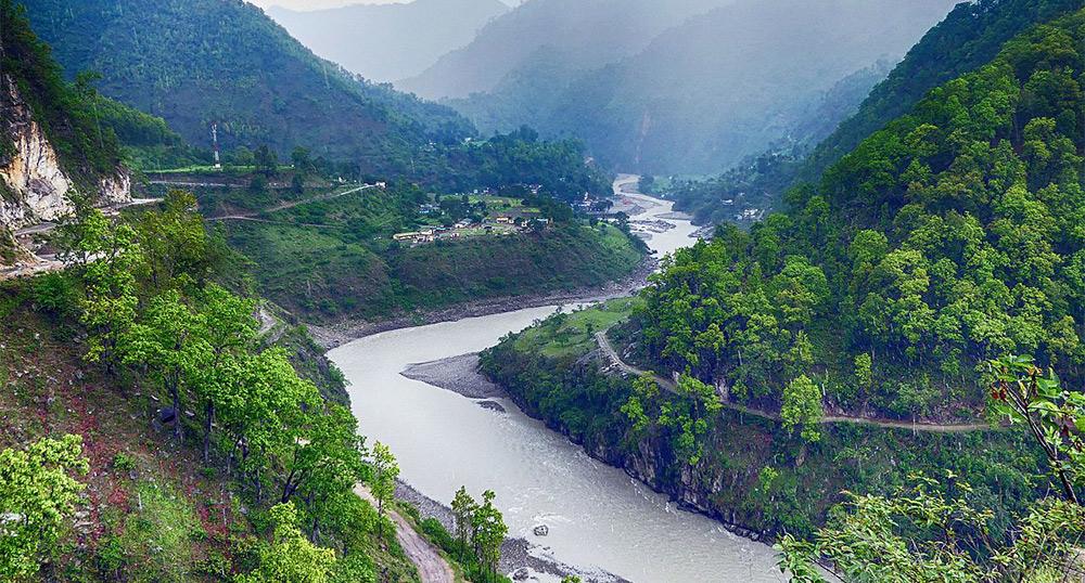 दार्चुलामा पहिरो जाँदा महाकाली नदी थुनियो, सचेत रहन प्रशासनको आग्रह