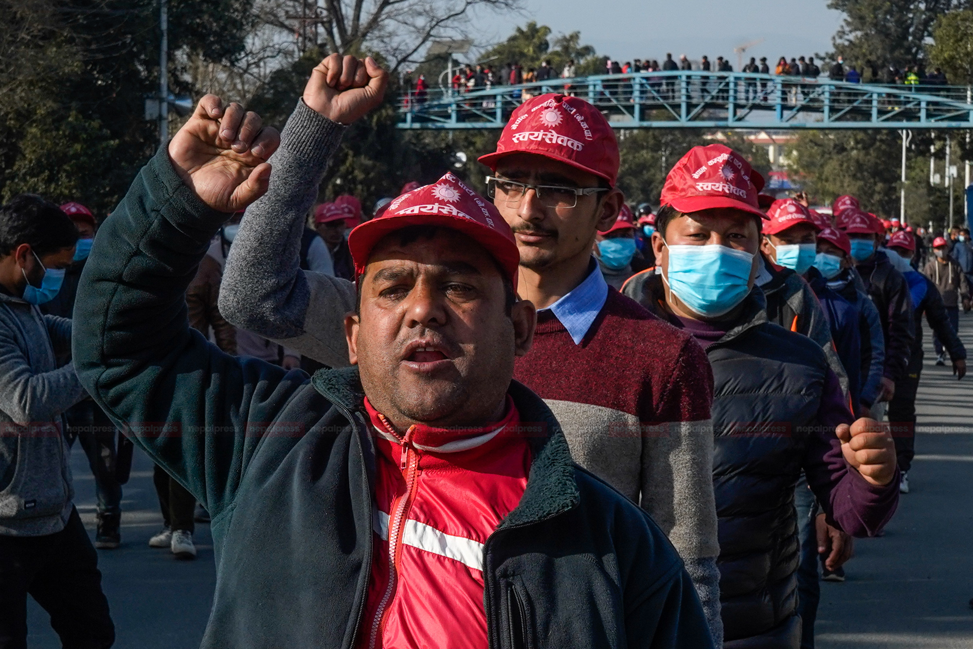 विरोधसभाको अघिल्लो दिन प्रचण्ड-माधव पक्षको मार्चपास