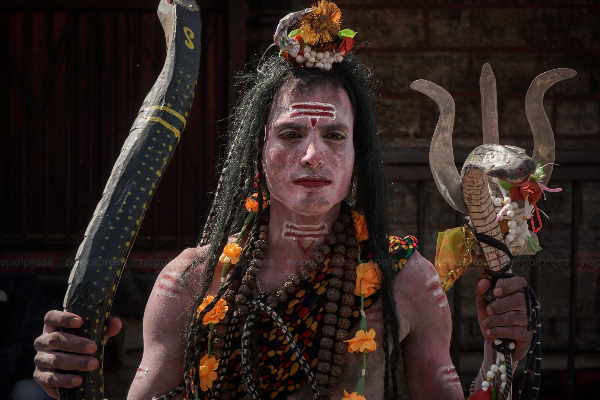 पशुपतिमा शिवरात्रिको रौनक (तस्बिरहरु)