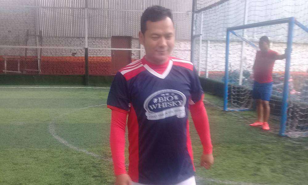 फुटबल प्रशिक्षकलाई बद्री पंगेनीको टिप्सः पोस्ट चार्जमा खेलाडीलाई प्रोत्साहन गर्नुस्