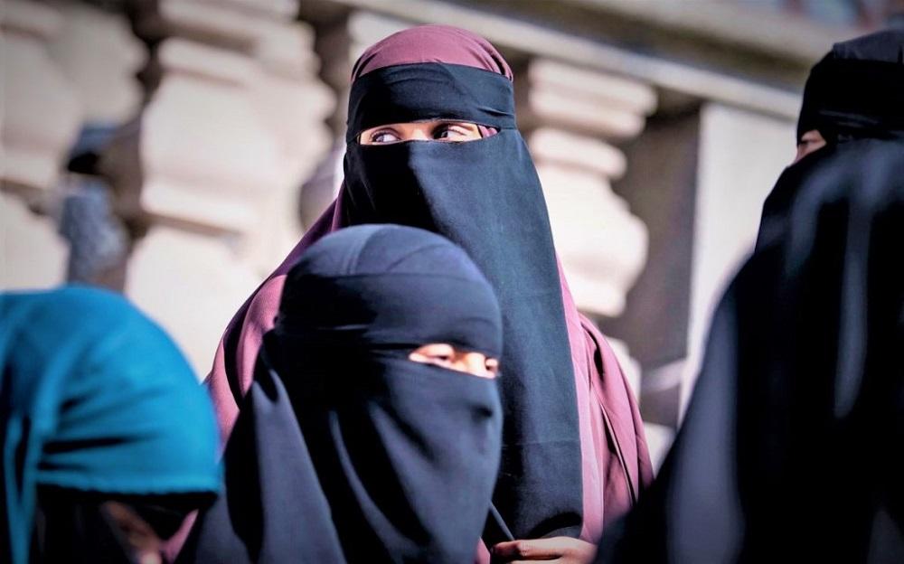 विश्वभर 'बुर्का ब्यान' बहस, मुस्लिम समुदाय सशंकित