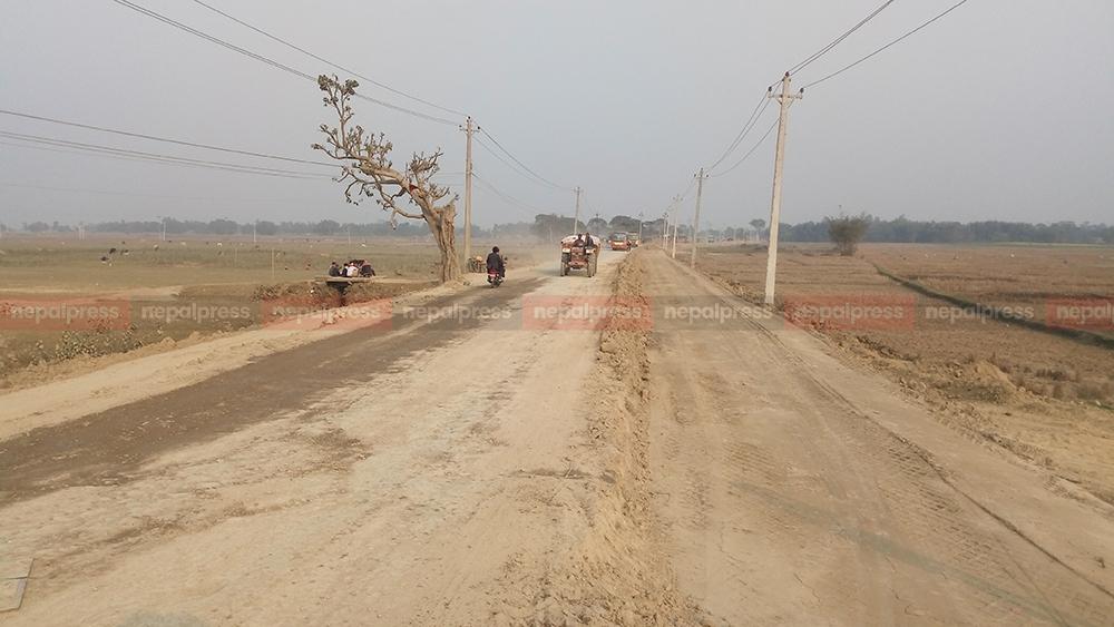 हुलाकी राजमार्ग विस्तारले गति लियो, मोरङका बजार क्षेत्रमा ६ लेनको सडक