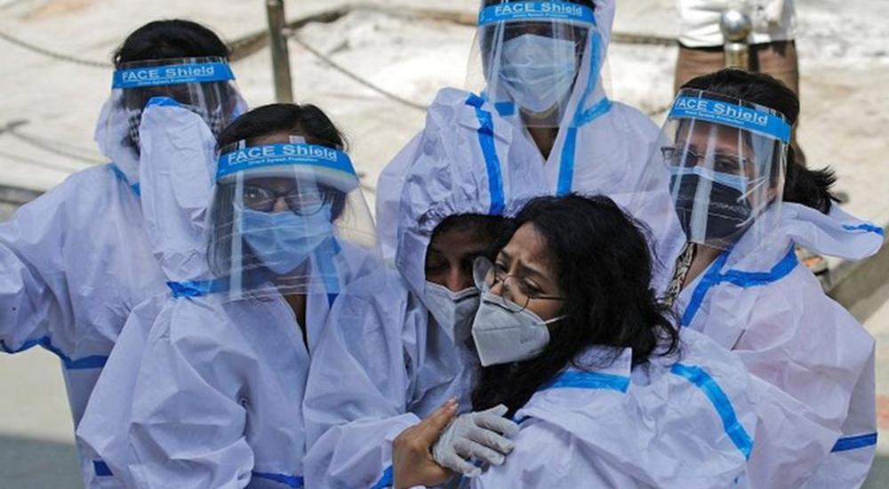 भारतमा दैनिक संक्रमण १ लाखभन्दा कम, २१ सय जनाको मृत्यु