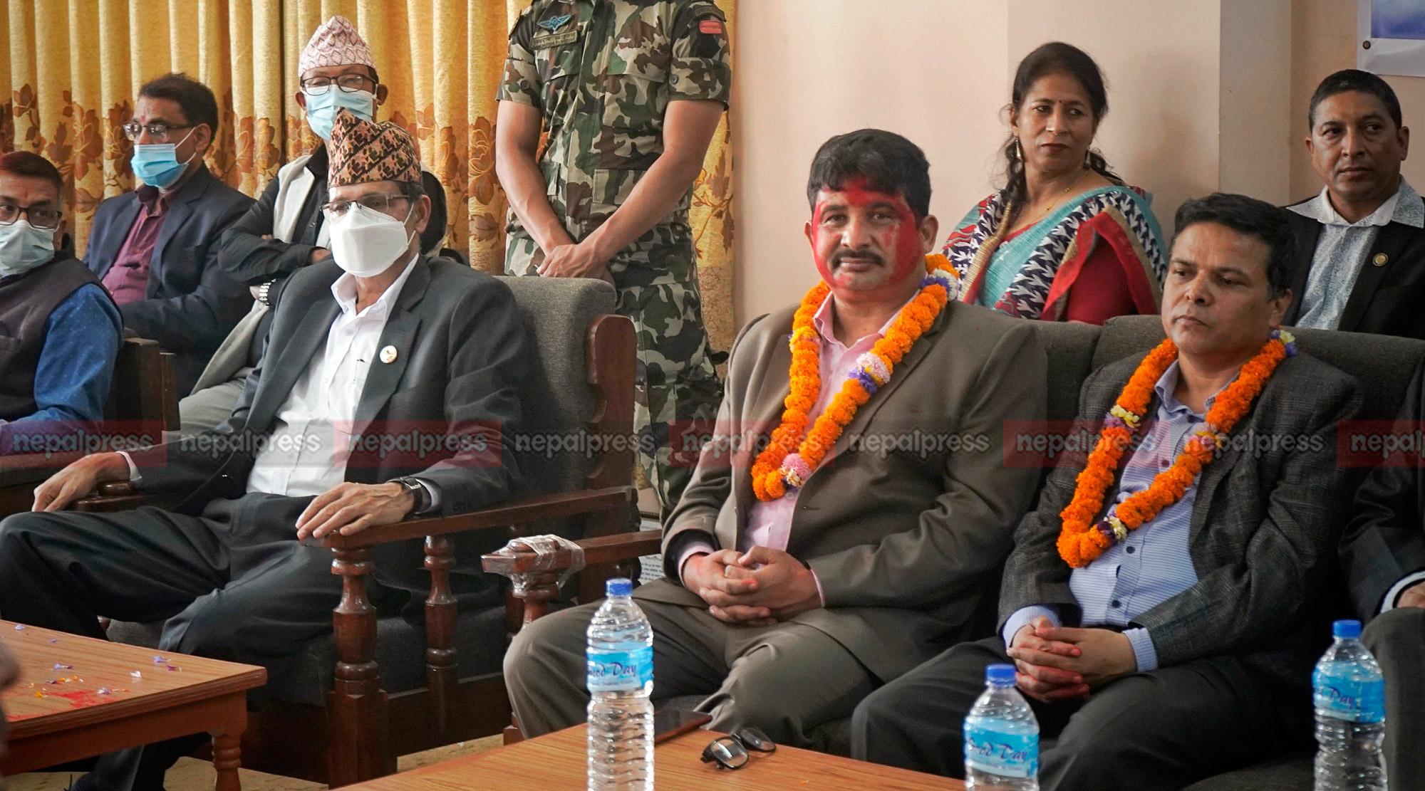 पत्रकार महासंघको पद हस्तान्तरण सम्पन्न (फोटो फिचर)