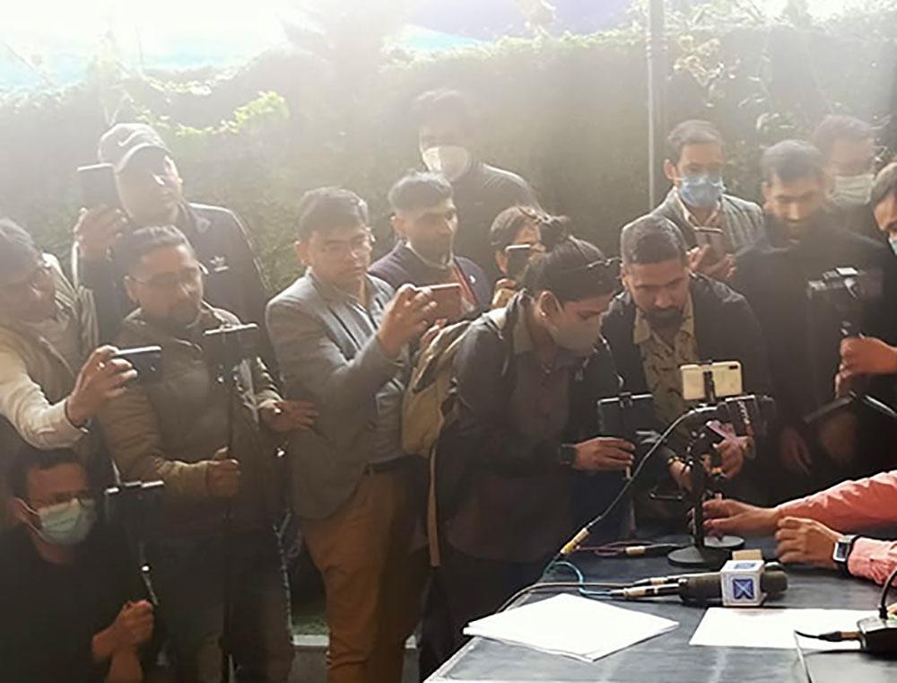 पत्रकारलाई मिडिया हाउसकै परिचयपत्रले आवतजावत गर्न दिइने