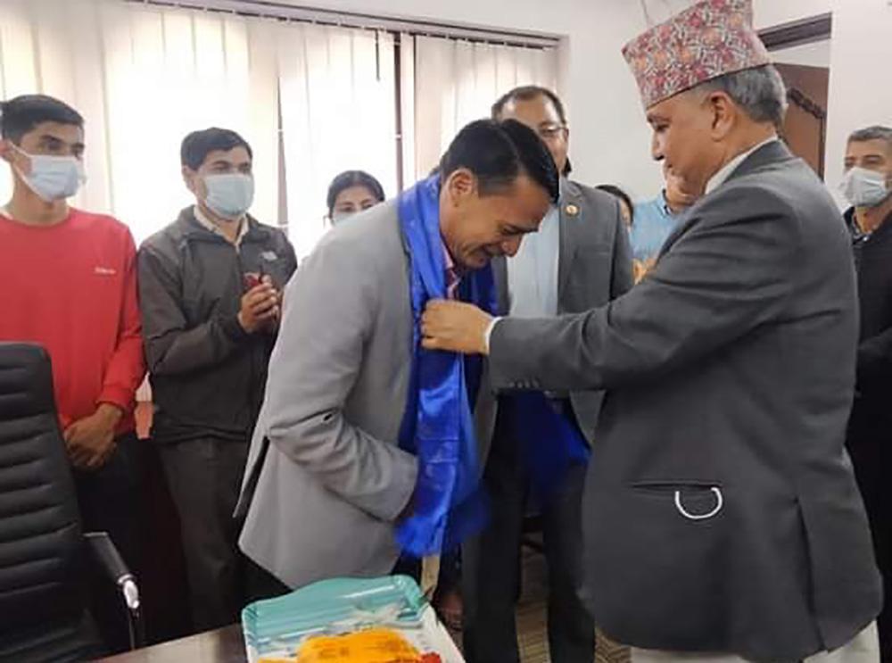 शेरबहादुर तामाङले सम्हाले एमाले केन्द्रीय कार्यालय सचिवको पदभार