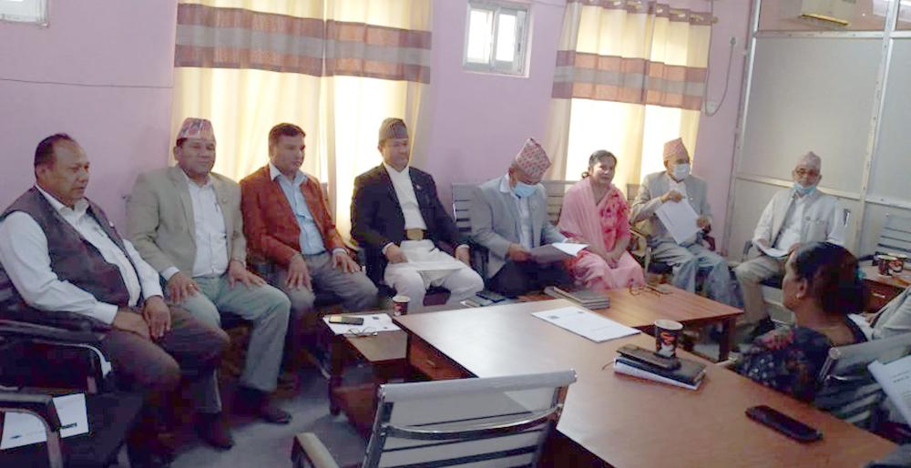 सूदूरपश्चिम प्रदेश: ओली पक्षबिनै एमाले संसदीय दलको बैठक