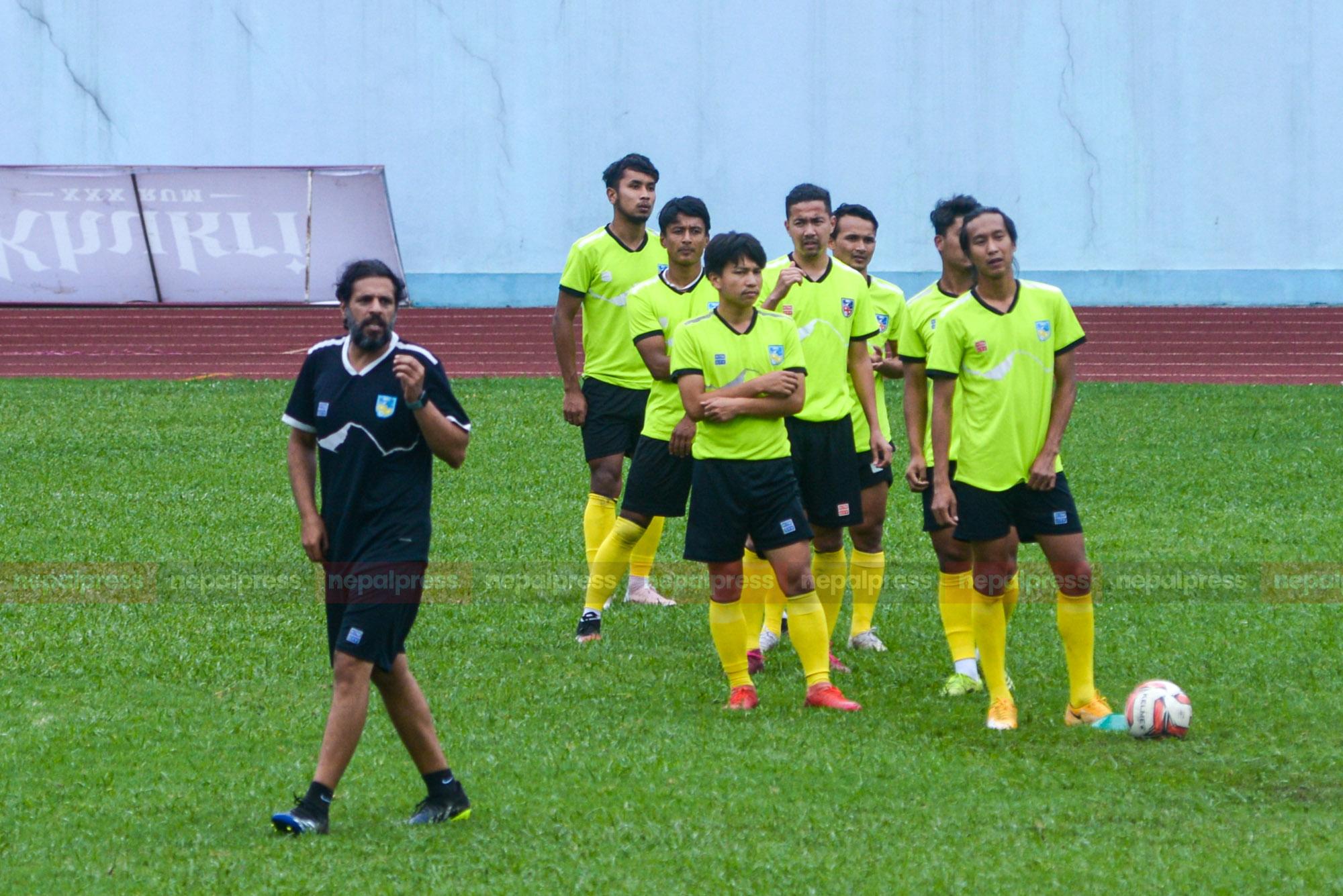 राष्ट्रिय फुटबल टोली आज इराक जाँदै