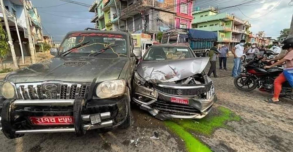 पत्रकार महासंघका अध्यक्ष पोखरेल चढेको कार दाङमा दुर्घटना