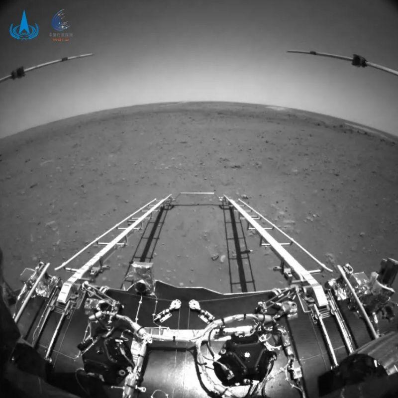 मंगल ग्रहबाट चिनियाँ यानले पठायो पहिलो तस्विर