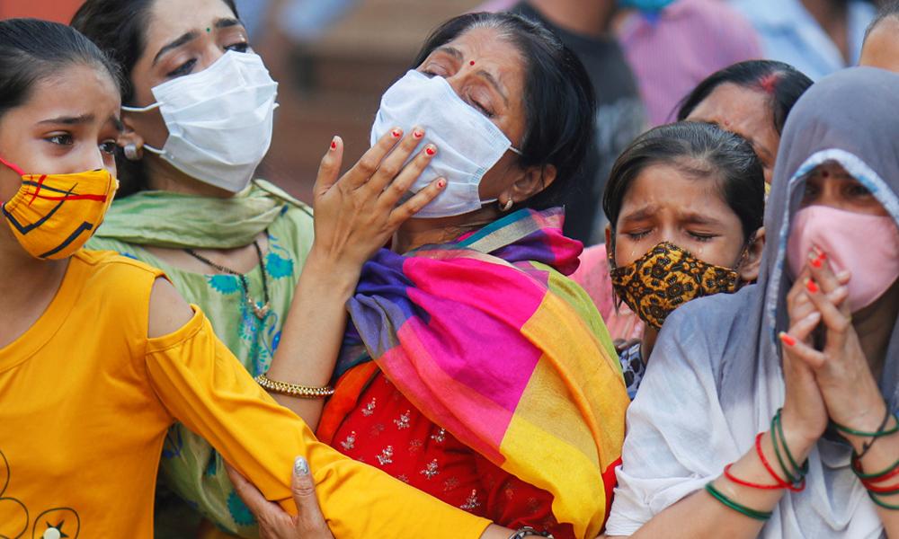 भारतमा संक्रमण र मृत्युदर पुनः बढ्यो, एकैदिन ३२ सय जनाको मृत्यु