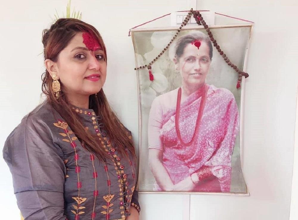 आमा सम्झँदै 'आमा' को दायित्व निभाउँछिन् दीपा