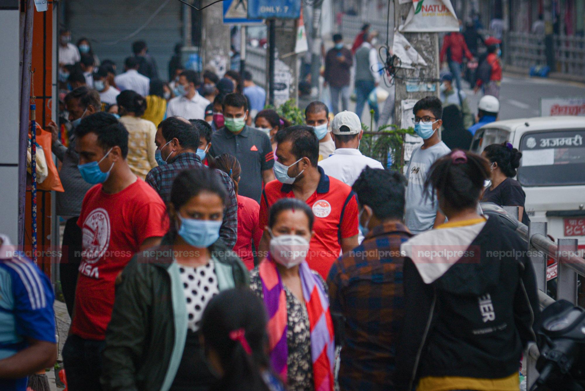 निषेधाज्ञामा काठमाडौं : बिहान भीडभाड, दिउँसो सुनसान