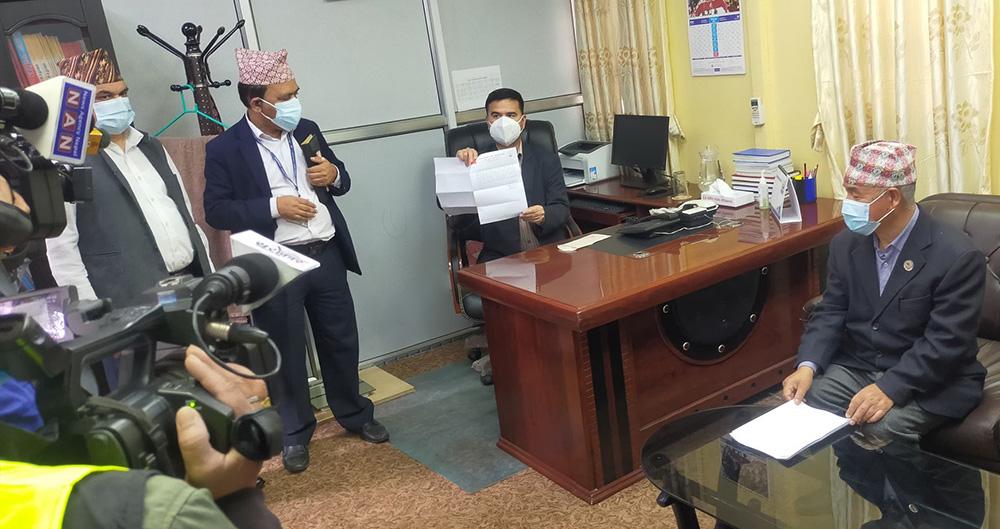 ३८ महिनापछि माओवादीले भन्यो- केपी ओलीलाई अब हाम्रो समर्थन छैन (भिडियो)