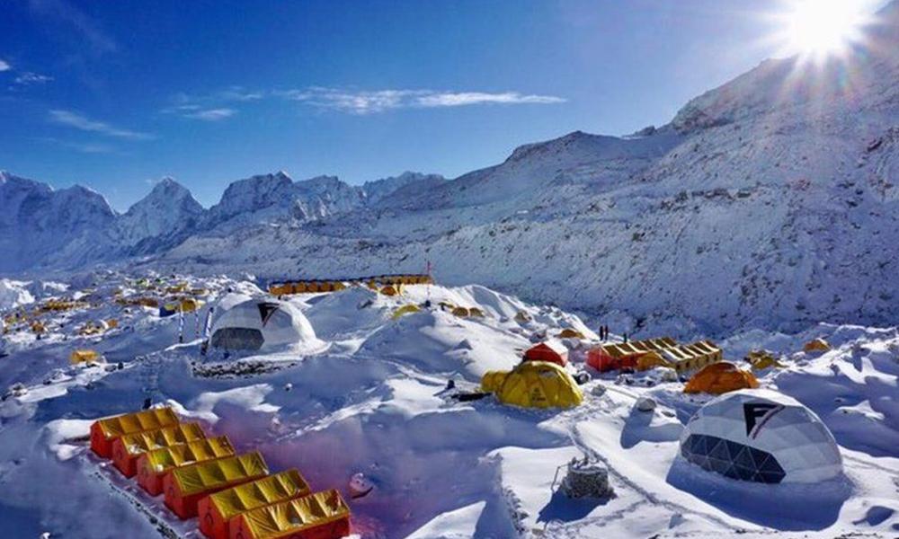 सगरमाथा आधार शिविरमा १७ पर्वतारोहीमा कोरोना 'संक्रमण'