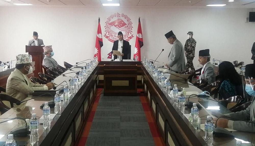 योजना आयोग उपाध्यक्षमा पुनः कडेल नियुक्त, नयाँ पदाधिकारीले लिए सपथ