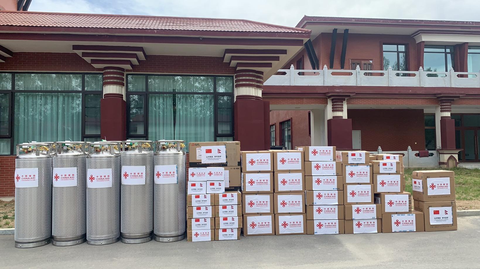 नेपाललाई तिब्बत सरकारको आइसीयू, भेन्टिलेटर र अक्सिजन सामाग्री सहयोग