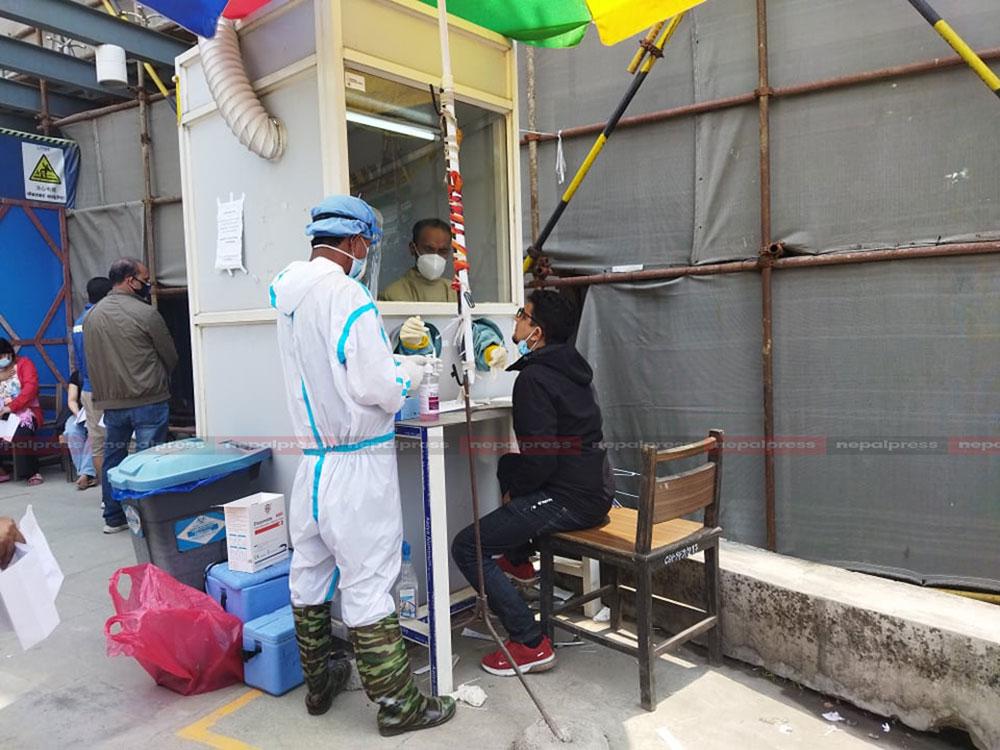 गण्डकीमा ३ हजार कटे सक्रिय संक्रमित, अहिलेसम्मकै धेरैमा कोरोना पुष्टि