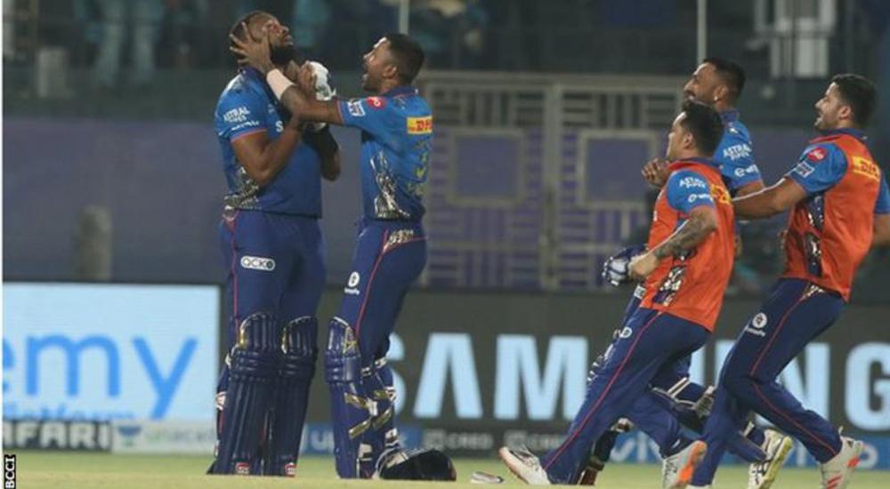 आईपीएल- पोलार्डको विष्फोटक पारीमा चेन्नाईमाथि मुम्बईको सनसनी जित