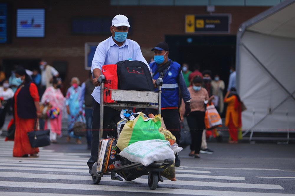 आन्तरिक उडान खुलेपछि काठमाडौं एयरपोर्ट परिसरको चहलपहल