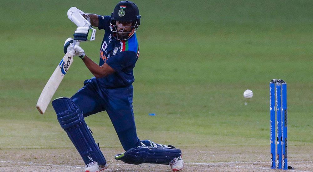 शिखर धवनको कप्तानी इनिङ्समा श्रीलंकामाथि भारतको ७ विकेटको जित