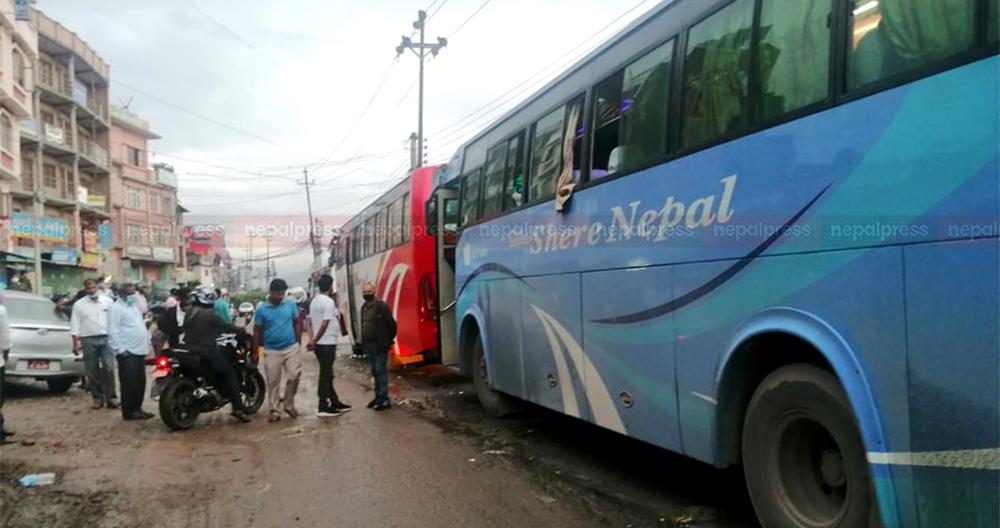 चर्को भाडा तिरेर दैनिक सात हजार यात्रु भित्रिन्छन् काठमाडौं