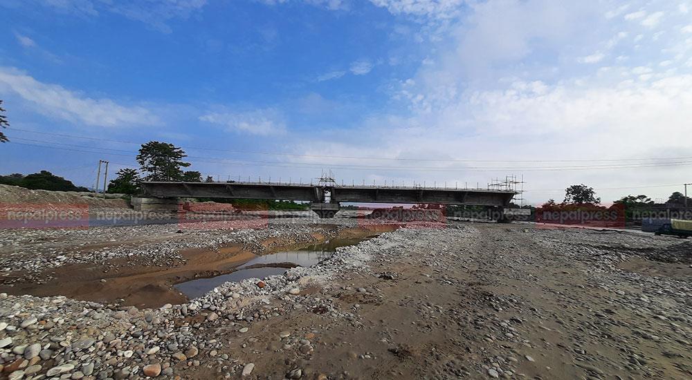 माडीका १० पुलः निर्माण सुस्त, म्याद थपको तयारी