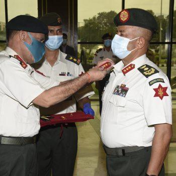 नेपाली सेनाको रथीमा बढुवा भएका कार्कीलाई दर्ज्यानी चिन्ह प्रदान