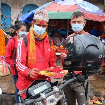 काठमाडौंमा यसरी गरियो विश्वकर्मा पूजा (तस्बिरहरु)