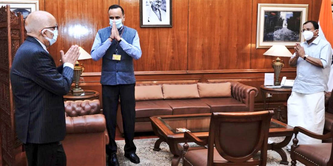 दिल्लीमा ३२ महिना 'आराम गरेर' स्वदेश फर्किँदै वयोवृद्ध राजदूत आचार्य